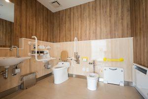 トイレ(車いす用)